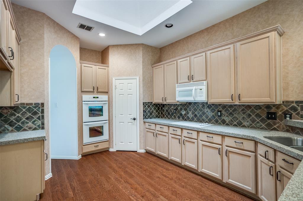 9816 Belfort  Drive, Frisco, Texas 75035 - acquisto real estate best luxury buyers agent in texas shana acquisto inheritance realtor
