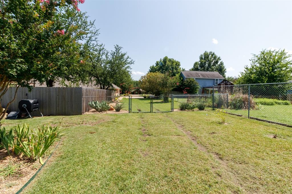 111 Suburban  Drive, Ovilla, Texas 75154 - acquisto real estate mvp award real estate logan lawrence