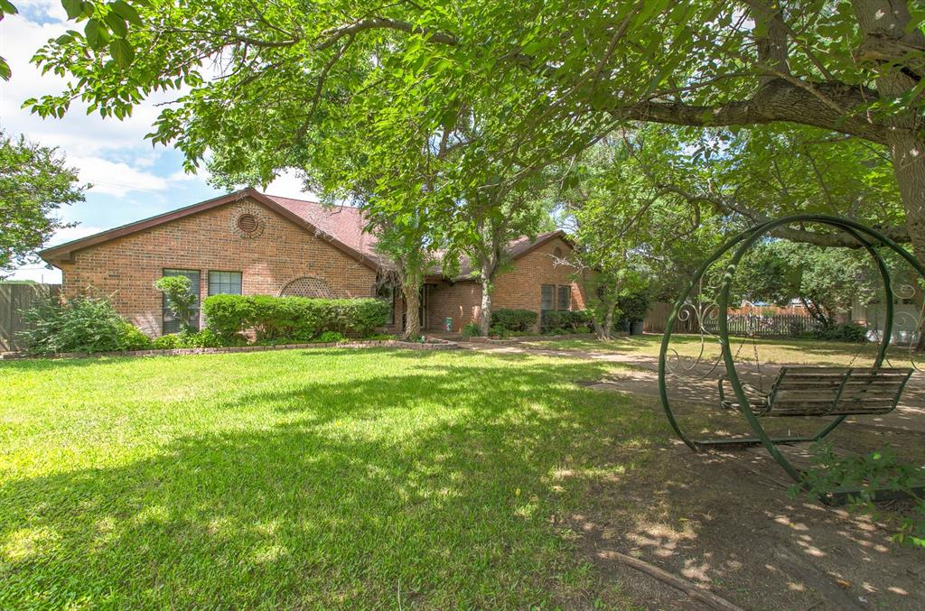 16 Stone  Court, Lakeside, Texas 76108 - Acquisto Real Estate best frisco realtor Amy Gasperini 1031 exchange expert