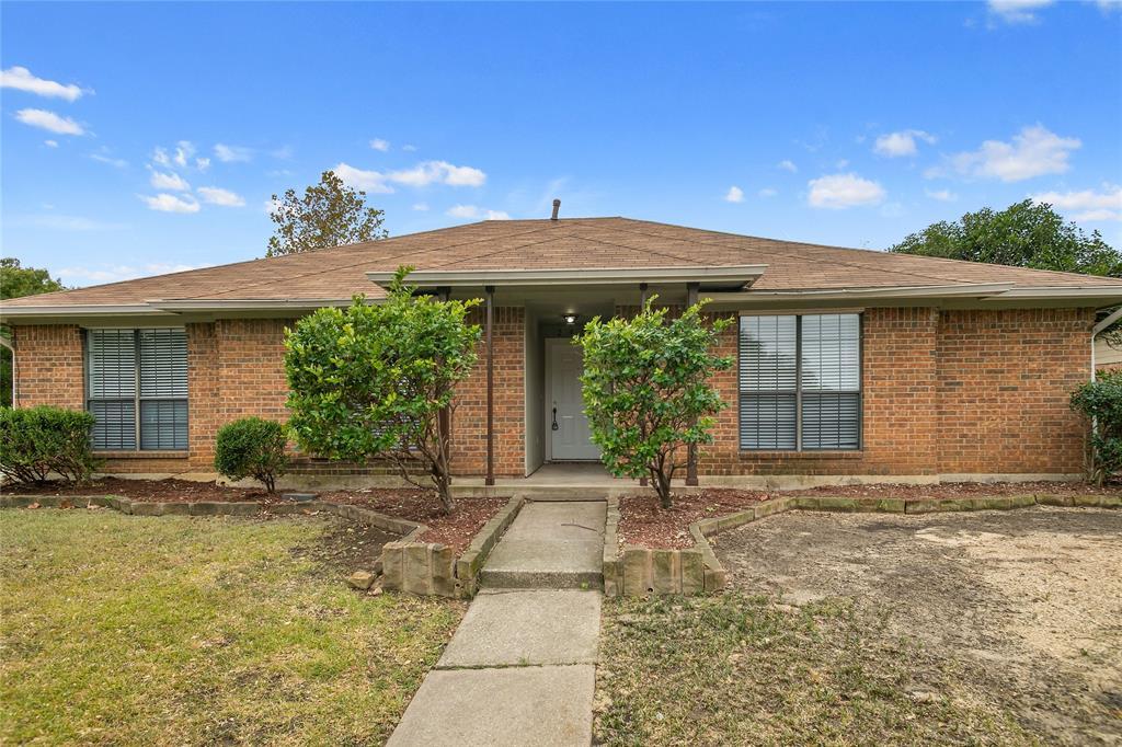 2427 Deer  Run, Lewisville, Texas 75067 - Acquisto Real Estate best plano realtor mike Shepherd home owners association expert