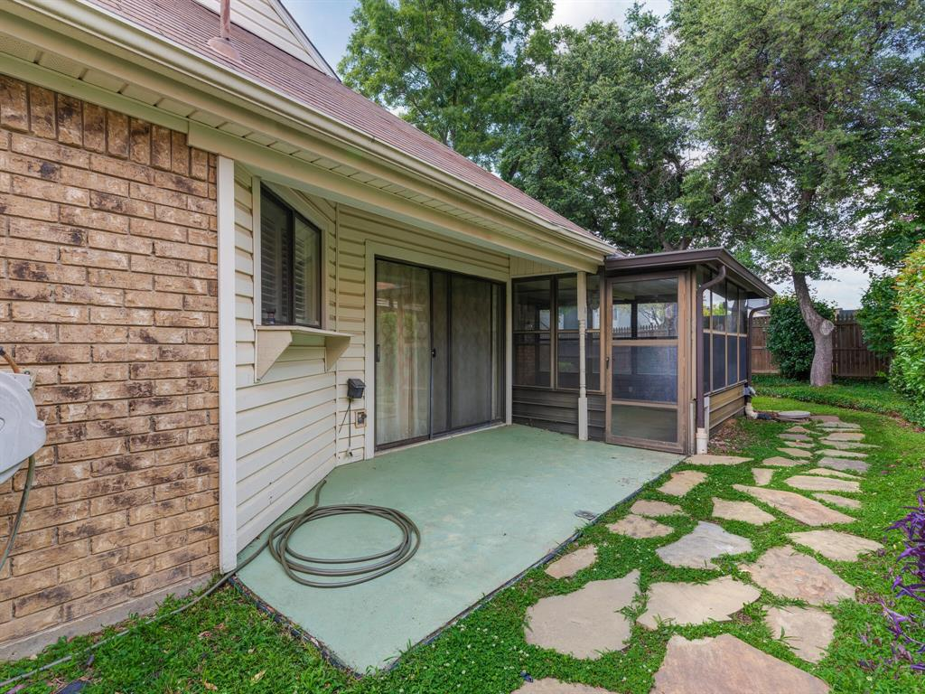 1409 Autumn Chase  Square, Bedford, Texas 76022 - acquisto real estate best park cities realtor kim miller best staging agent