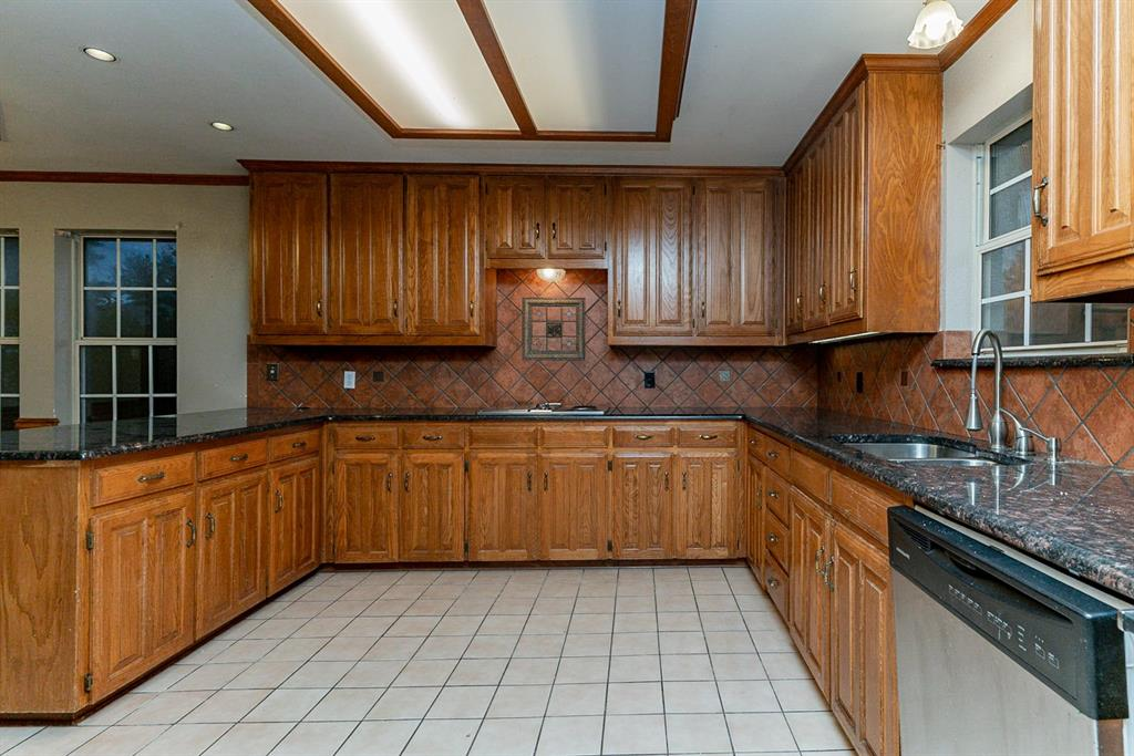 6710 Landover Hills  Lane, Arlington, Texas 76017 - acquisto real estate best the colony realtor linda miller the bridges real estate