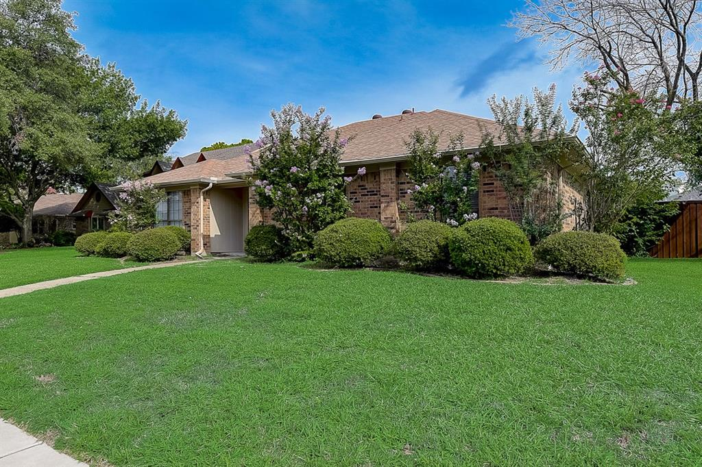 405 Kingsbridge  Court, Garland, Texas 75040 - acquisto real estate best listing listing agent in texas shana acquisto rich person realtor