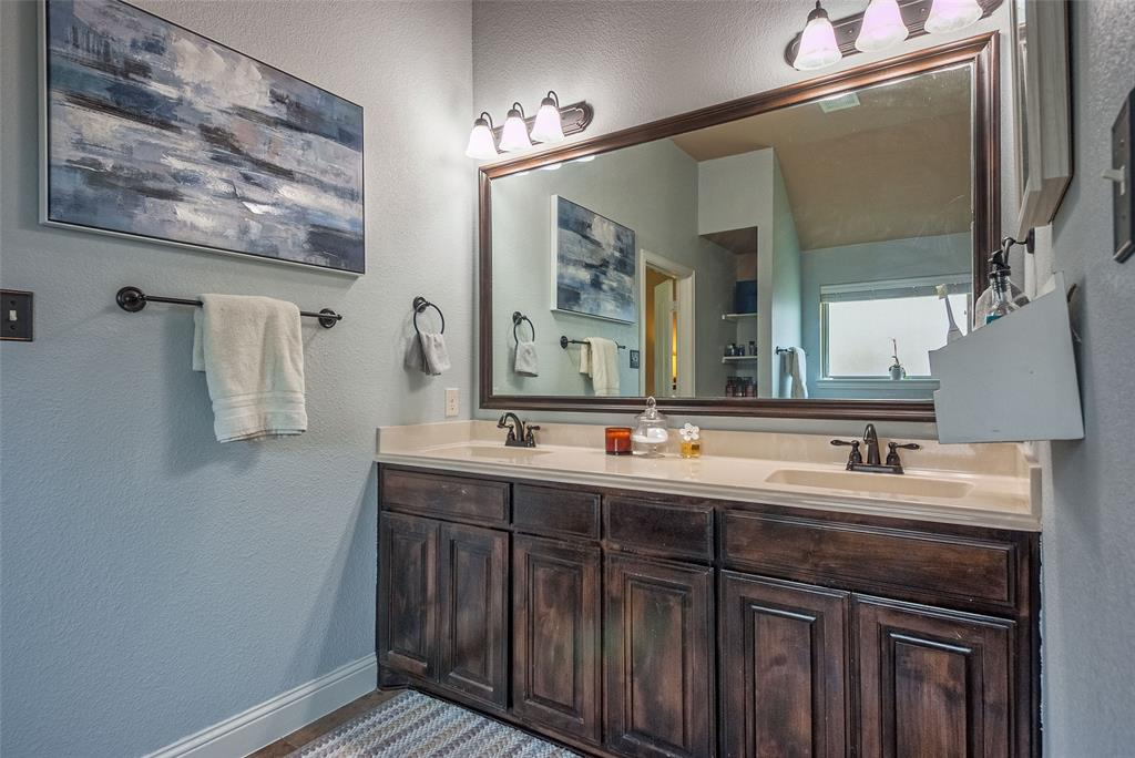 5617 Iceberg  Court, Midlothian, Texas 76065 - acquisto real estate best frisco real estate broker in texas for high net worth buyers