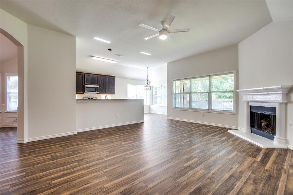 5913 Meadowglen  Drive, Denton, Texas 76226 - acquisto real estate best listing listing agent in texas shana acquisto rich person realtor