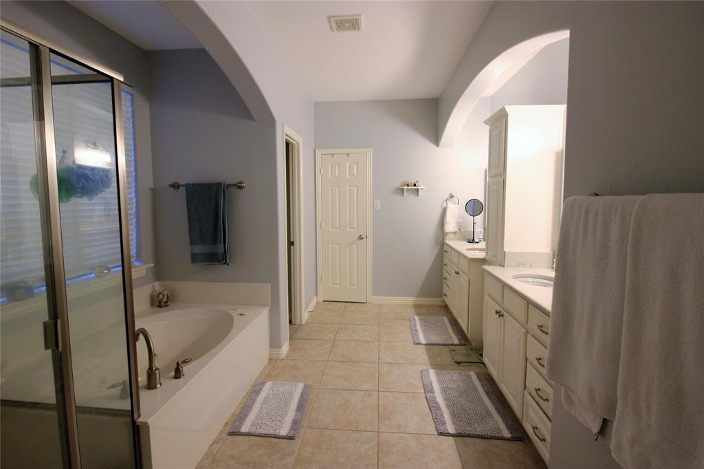 7109 New Bury  Court, Rowlett, Texas 75089 - acquisto real estate best realtor dfw jody daley liberty high school realtor