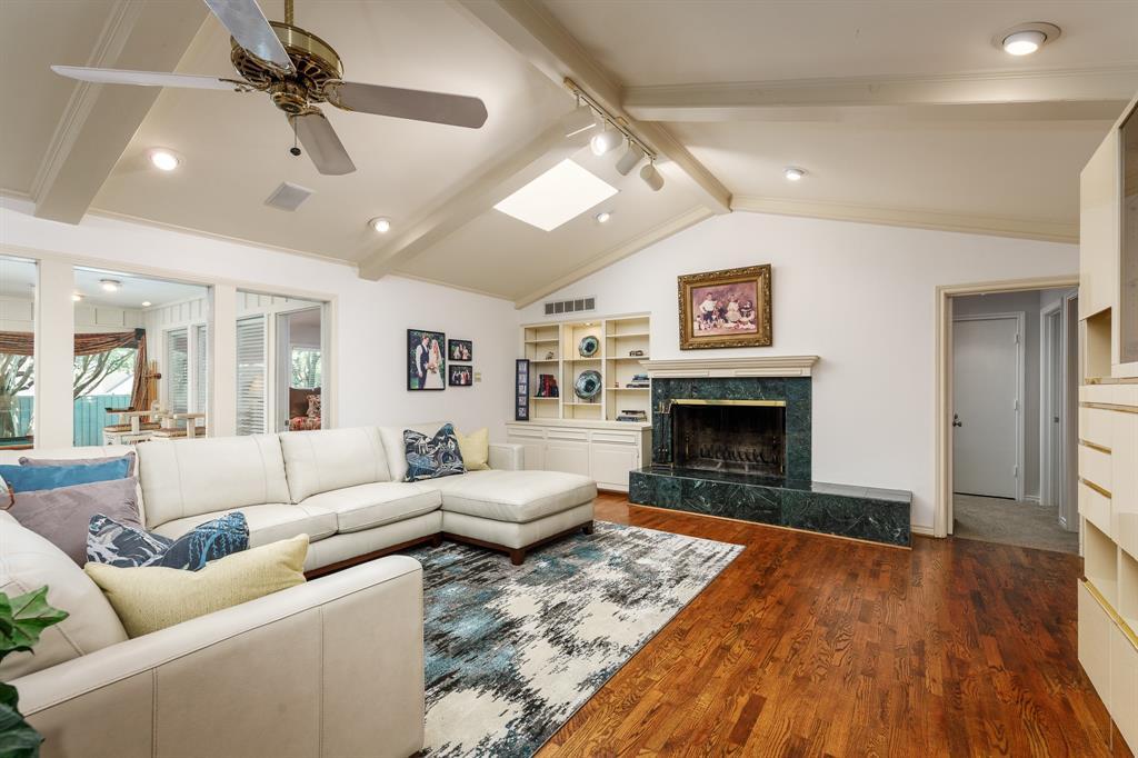 6556 Meadowcreek  Drive, Dallas, Texas 75254 - acquisto real estate best celina realtor logan lawrence best dressed realtor