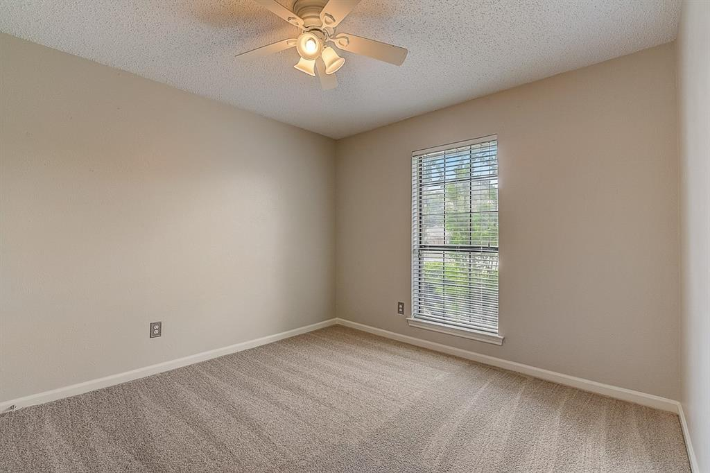 405 Kingsbridge  Court, Garland, Texas 75040 - acquisto real estate best realtor foreclosure real estate mike shepeherd walnut grove realtor