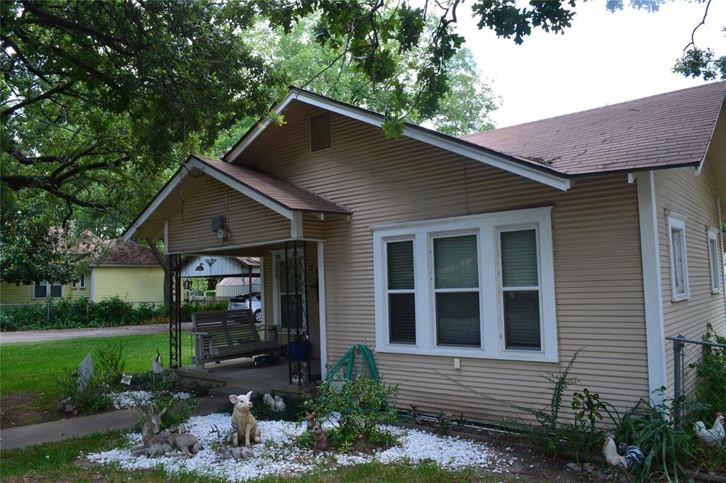 202 Washington  Street, Cleburne, Texas 76031 - acquisto real estate best allen realtor kim miller hunters creek expert