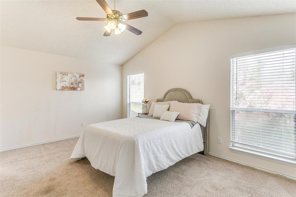 6028 Hillglen  Drive, Watauga, Texas 76148 - acquisto real estate best park cities realtor kim miller best staging agent