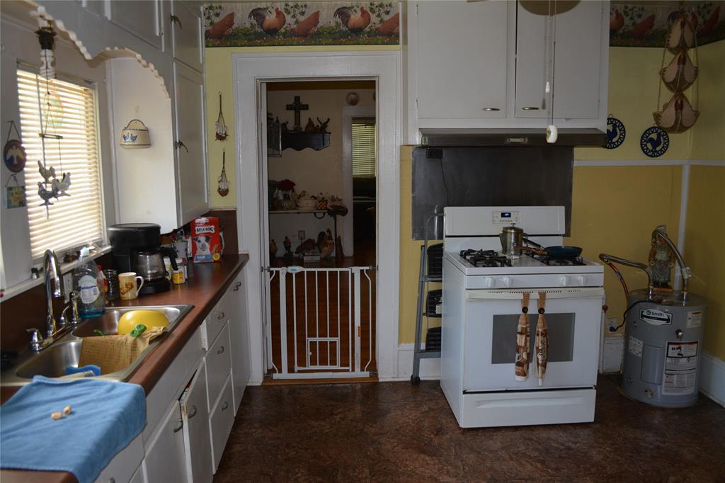 202 Washington  Street, Cleburne, Texas 76031 - acquisto real estate best new home sales realtor linda miller executor real estate