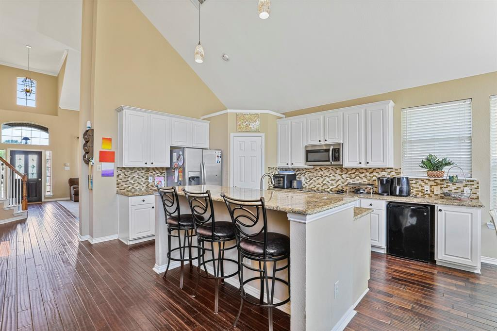 4204 Debbie  Drive, Grand Prairie, Texas 75052 - acquisto real estate best celina realtor logan lawrence best dressed realtor