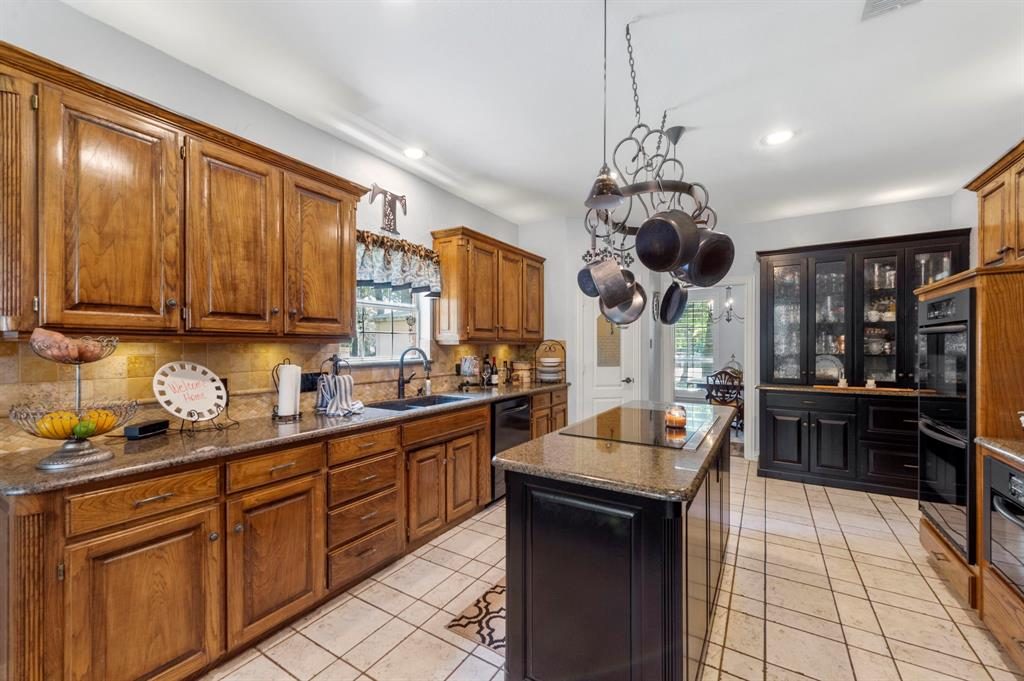 8324 Thorncrest  Court, North Richland Hills, Texas 76182 - acquisto real estate best real estate company to work for