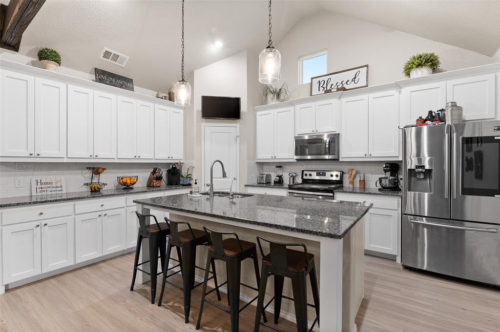 4014 Kensington  Drive, Sanger, Texas 76266 - acquisto real estate best investor home specialist mike shepherd relocation expert