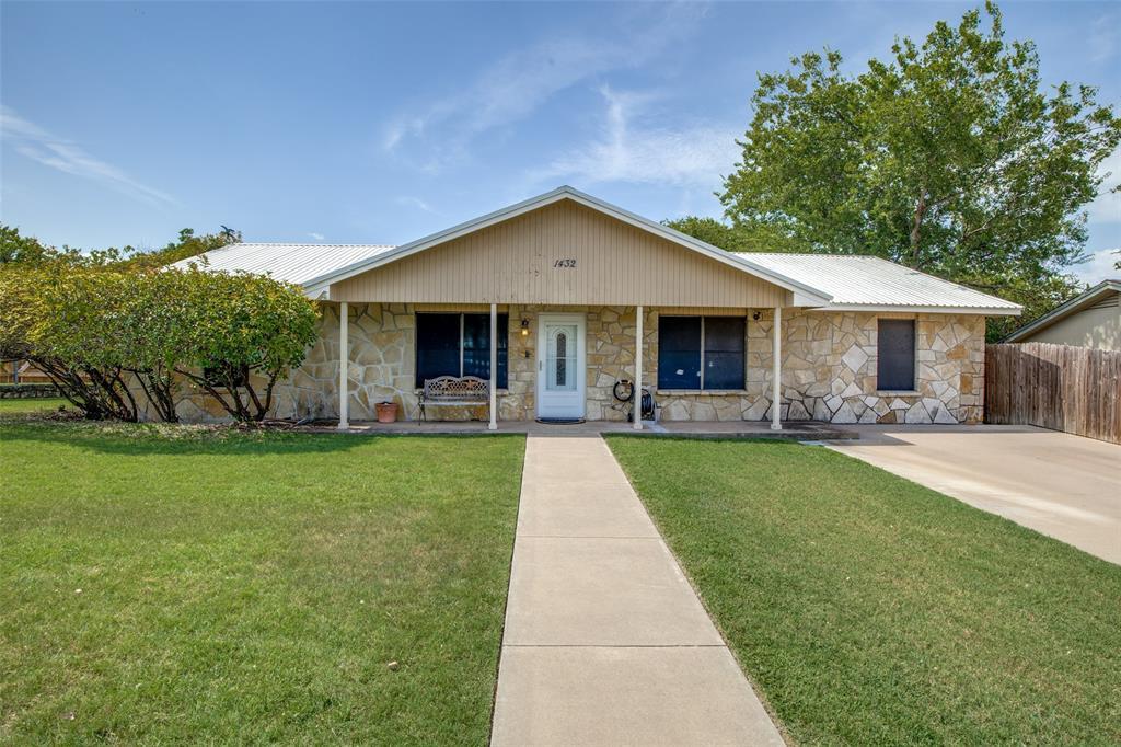 1432 Torrey  Street, Granbury, Texas 76048 - Acquisto Real Estate best frisco realtor Amy Gasperini 1031 exchange expert