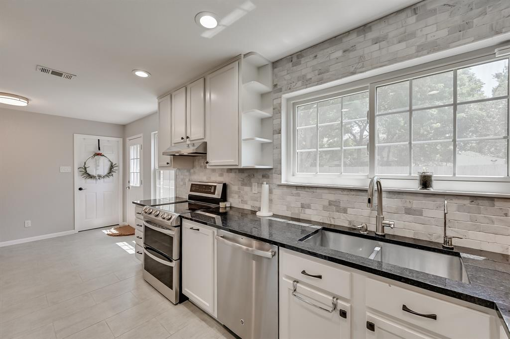 528 Yellowstone  Drive, Grapevine, Texas 76051 - acquisto real estate best listing listing agent in texas shana acquisto rich person realtor