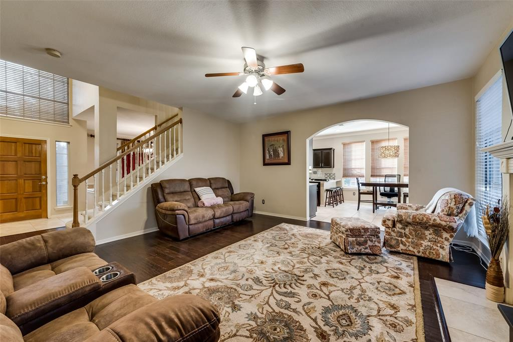 6319 Pierce Arrow  Drive, Arlington, Texas 76001 - acquisto real estate best celina realtor logan lawrence best dressed realtor