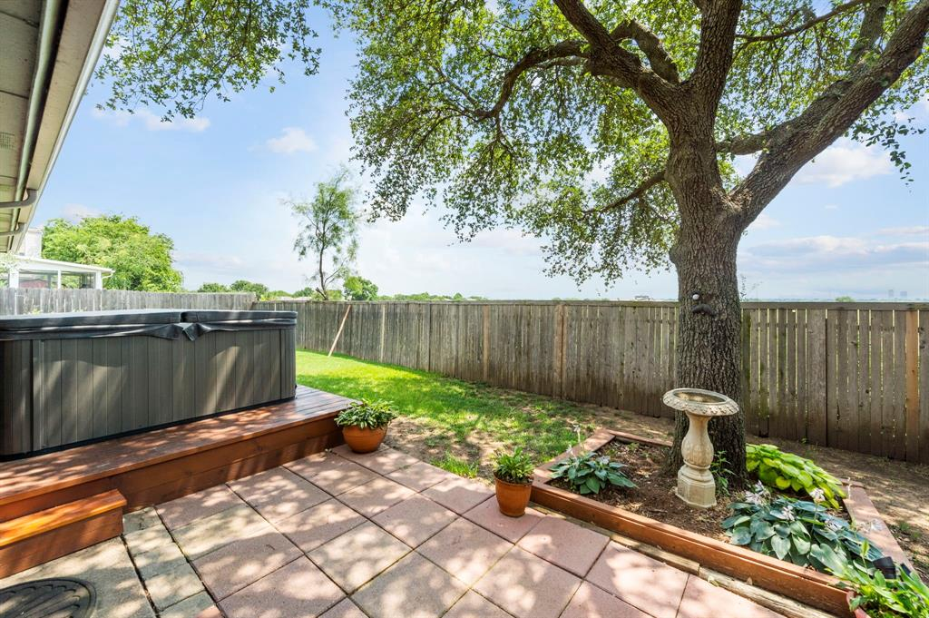 2112 Crestmeadow  Street, Denton, Texas 76207 - acquisto real estate best realtor dfw jody daley liberty high school realtor