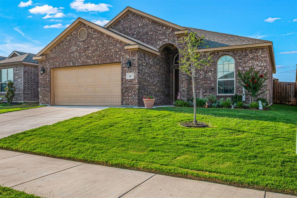 320 Emerald Creek  Drive, Fort Worth, Texas 76131 - Acquisto Real Estate best plano realtor mike Shepherd home owners association expert