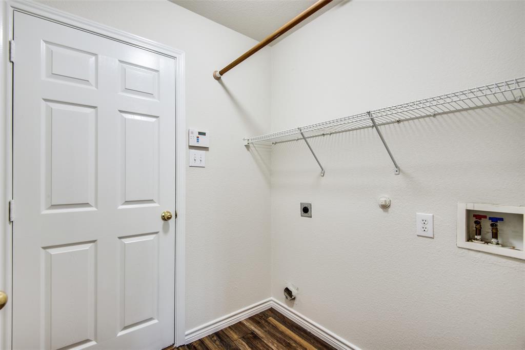 5913 Meadowglen  Drive, Denton, Texas 76226 - acquisto real estate best style realtor kim miller best real estate reviews dfw