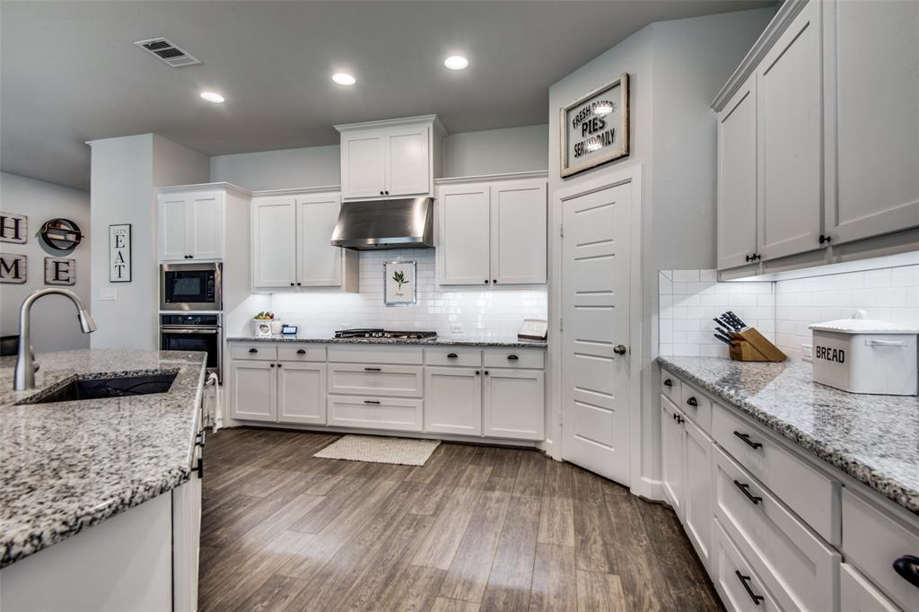 600 Sunflower  Avenue, Argyle, Texas 76226 - acquisto real estate best real estate company in frisco texas real estate showings