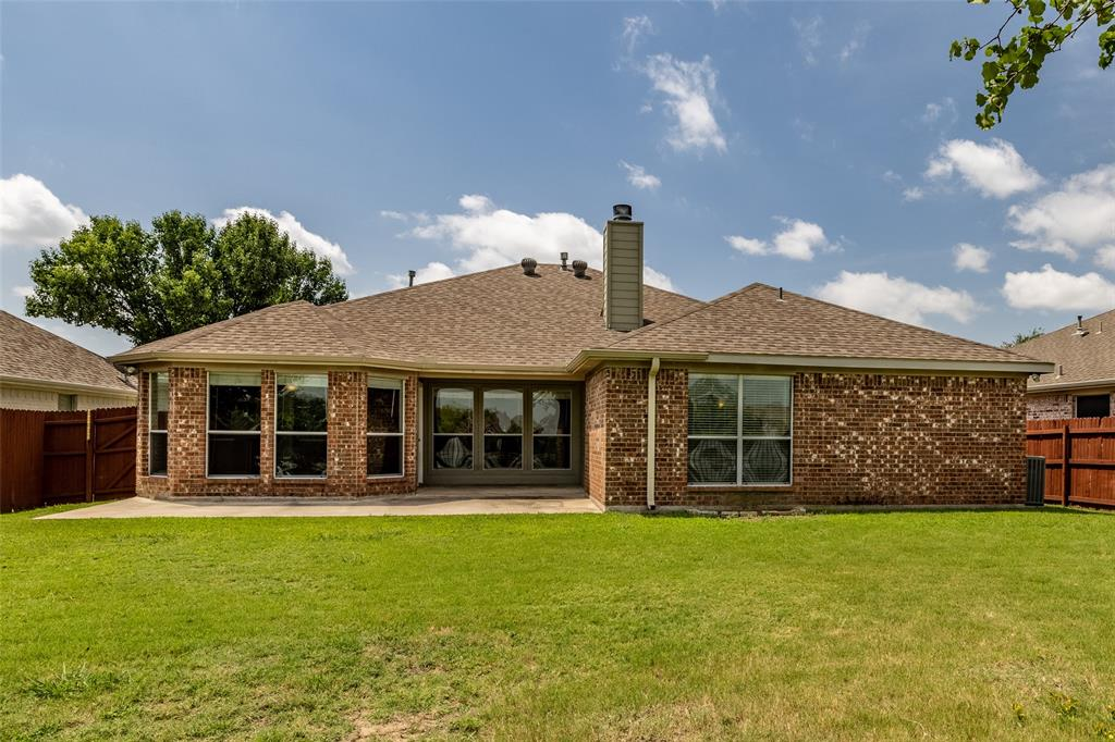 5108 Brookside  Drive, Denton, Texas 76226 - acquisto real estate best negotiating realtor linda miller declutter realtor