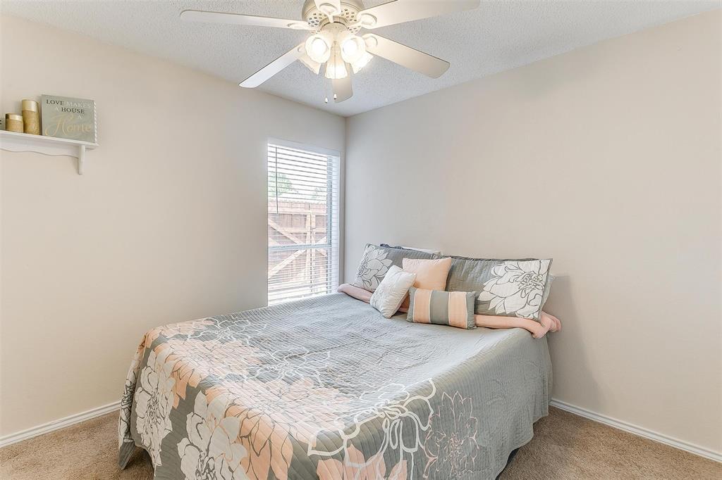 6028 Hillglen  Drive, Watauga, Texas 76148 - acquisto real estate best realtor dallas texas linda miller agent for cultural buyers