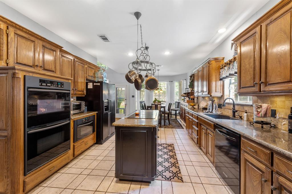 8324 Thorncrest  Court, North Richland Hills, Texas 76182 - acquisto real estate best real estate company in frisco texas real estate showings