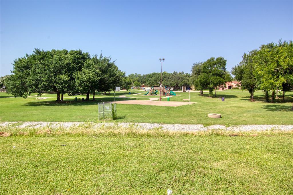 719 Creekwood  Court, Lewisville, Texas 75067 - acquisto real estate best park cities realtor kim miller best staging agent