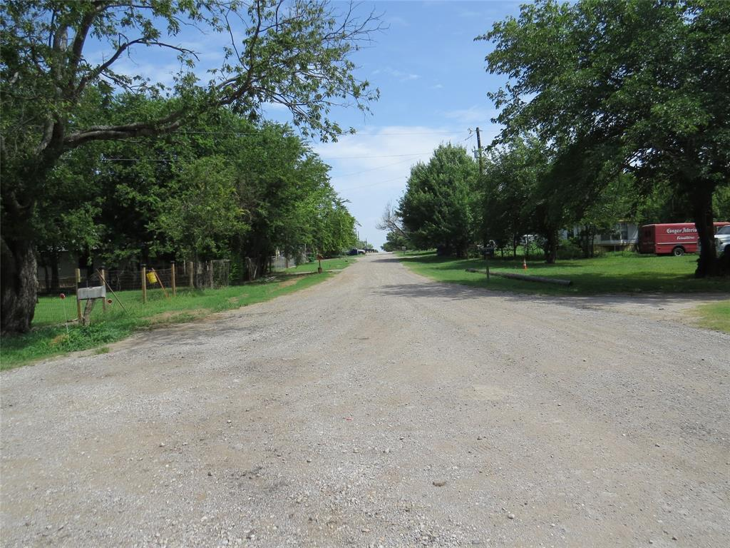 11909 Joyce  Lane, Roanoke, Texas 76262 - Acquisto Real Estate best frisco realtor Amy Gasperini 1031 exchange expert