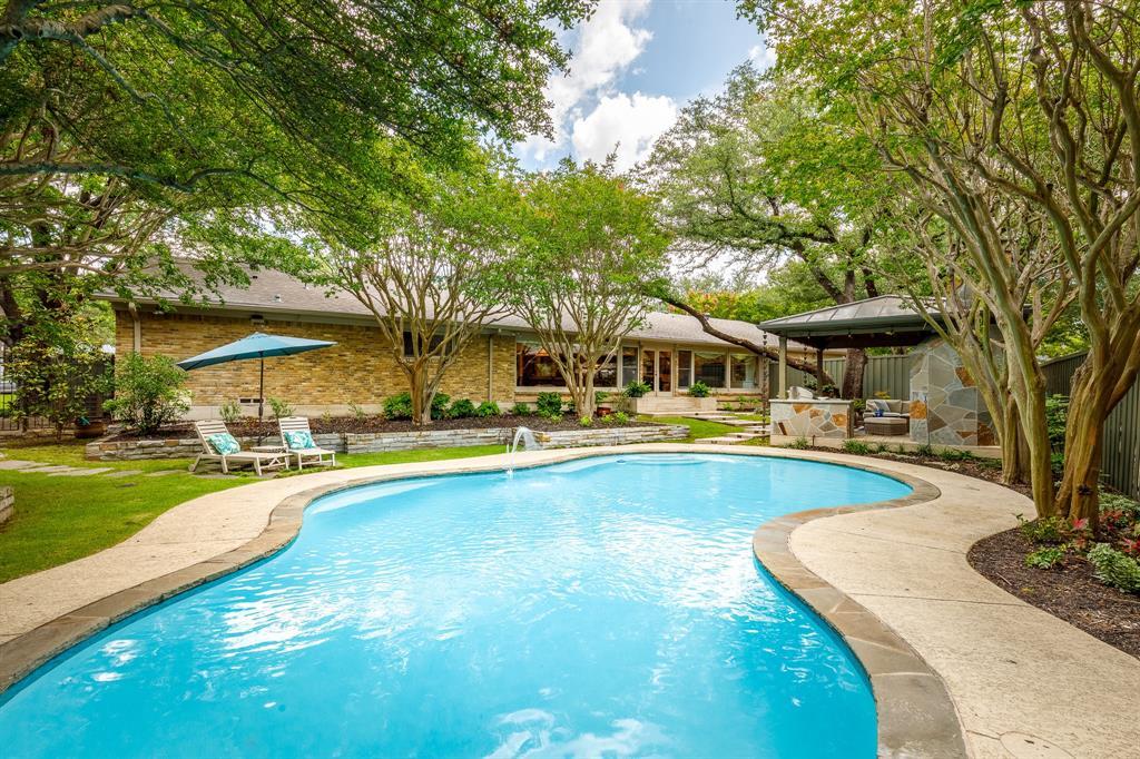 6556 Meadowcreek  Drive, Dallas, Texas 75254 - acquisto real estate best negotiating realtor linda miller declutter realtor