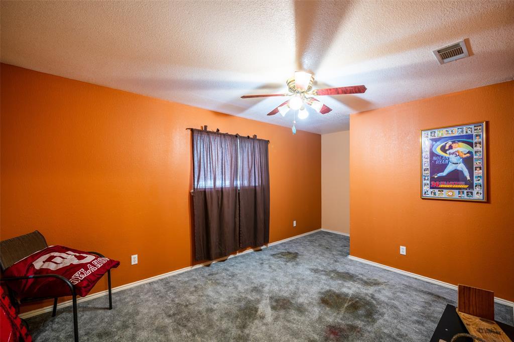 221 Sunrise  Court, Palmer, Texas 75152 - acquisto real estate best realtor dfw jody daley liberty high school realtor