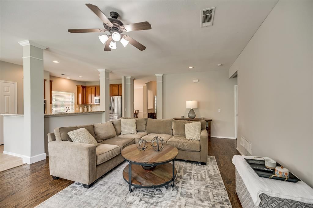 2077 Sleepy Hollow  Trail, Frisco, Texas 75033 - acquisto real estate best highland park realtor amy gasperini fast real estate service