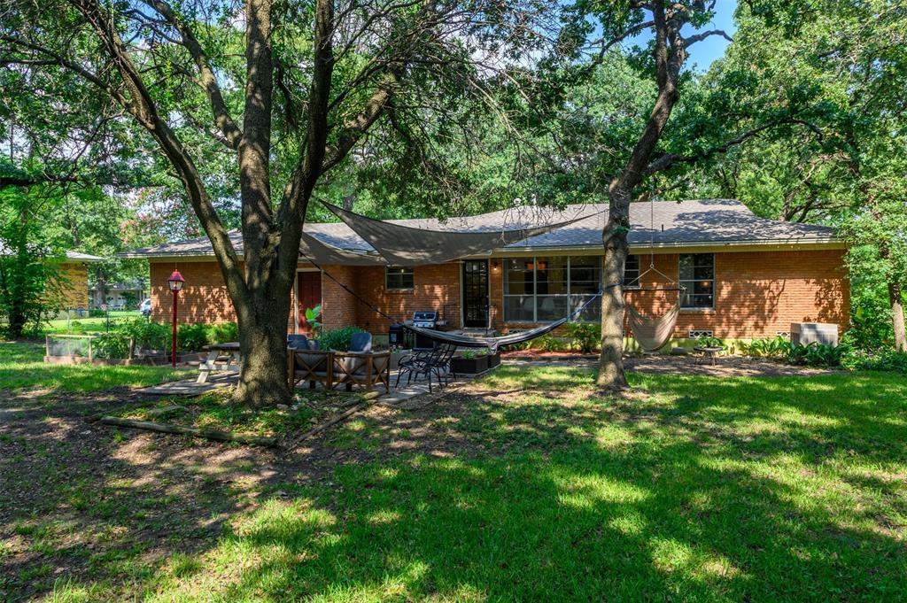 2503 Glenwood  Lane, Denton, Texas 76209 - acquisto real estate best realtor dfw jody daley liberty high school realtor