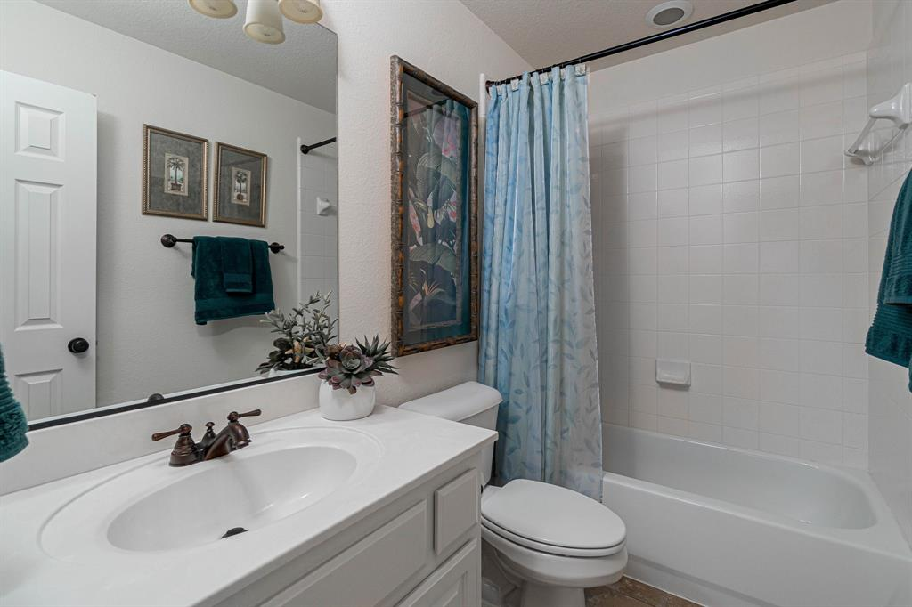 940 Crestmoor  Drive, Allen, Texas 75013 - acquisto real estate best realtor dfw jody daley liberty high school realtor