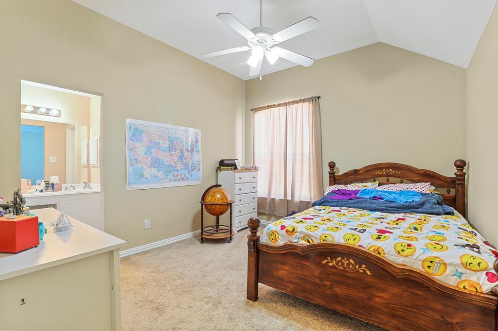 4204 Debbie  Drive, Grand Prairie, Texas 75052 - acquisto real estate best park cities realtor kim miller best staging agent