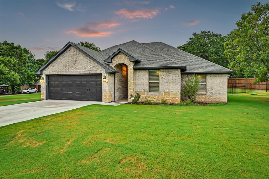 1401 Conejos  Court, Granbury, Texas 76048 - Acquisto Real Estate best frisco realtor Amy Gasperini 1031 exchange expert