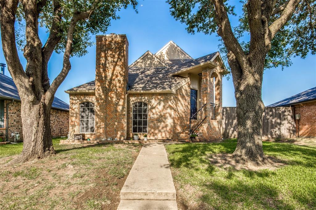 2229 Silverthorn  Lane, Flower Mound, Texas 75028 - Acquisto Real Estate best frisco realtor Amy Gasperini 1031 exchange expert