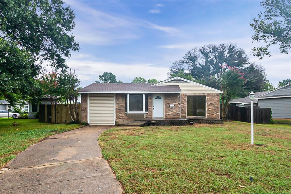 1309 Marshalldale  Drive, Arlington, Texas 76013 - Acquisto Real Estate best frisco realtor Amy Gasperini 1031 exchange expert