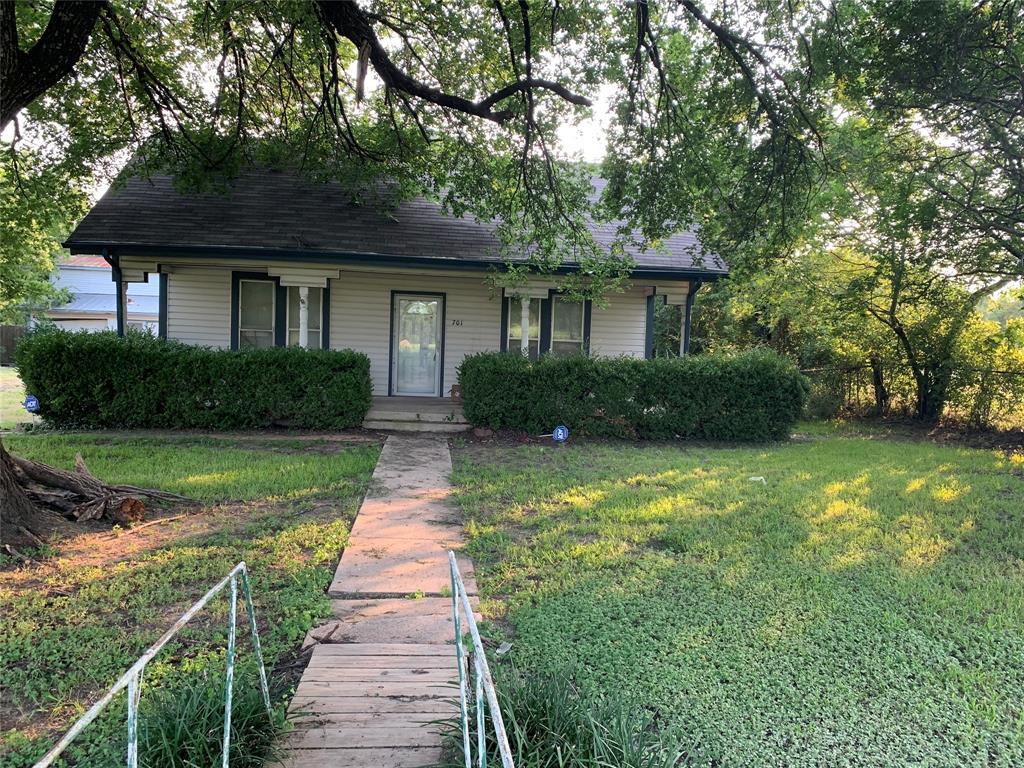 701 Boyce  Drive, Garrett, Texas 75119 - Acquisto Real Estate best frisco realtor Amy Gasperini 1031 exchange expert