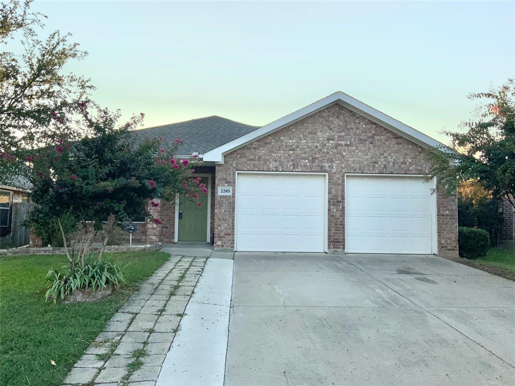 2205 Red Chute  Drive, Dallas, Texas 75253 - Acquisto Real Estate best frisco realtor Amy Gasperini 1031 exchange expert