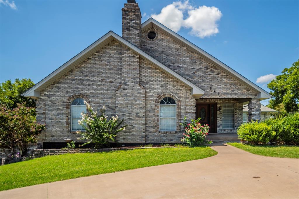 829 Cook  Drive, Grand Prairie, Texas 75050 - Acquisto Real Estate best frisco realtor Amy Gasperini 1031 exchange expert