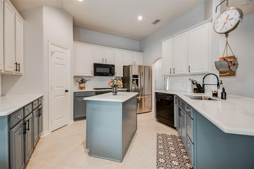 5300 Raincrest  Drive, McKinney, Texas 75071 - Acquisto Real Estate best frisco realtor Amy Gasperini 1031 exchange expert