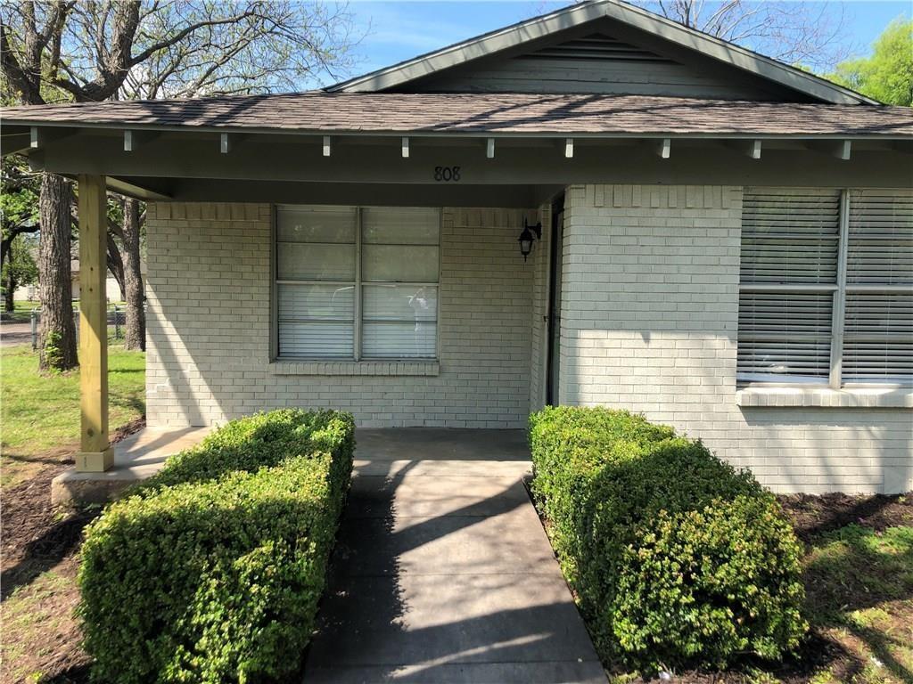 808 Robinson  Street, Cleburne, Texas 76031 - Acquisto Real Estate best frisco realtor Amy Gasperini 1031 exchange expert