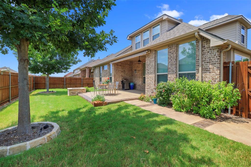 9803 Crown Meadow  Drive, Frisco, Texas 75035 - Acquisto Real Estate best frisco realtor Amy Gasperini 1031 exchange expert