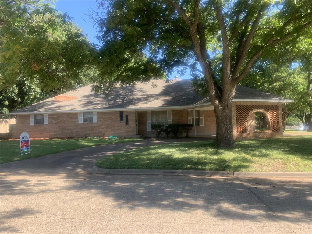 2402 Nottingham  Place, Grand Prairie, Texas 75050 - Acquisto Real Estate best frisco realtor Amy Gasperini 1031 exchange expert