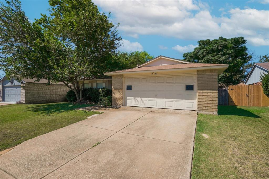 7612 Red Willow  Road, Fort Worth, Texas 76133 - Acquisto Real Estate best frisco realtor Amy Gasperini 1031 exchange expert