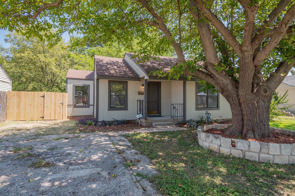2326 Riverside  Drive, Fort Worth, Texas 76111 - Acquisto Real Estate best frisco realtor Amy Gasperini 1031 exchange expert