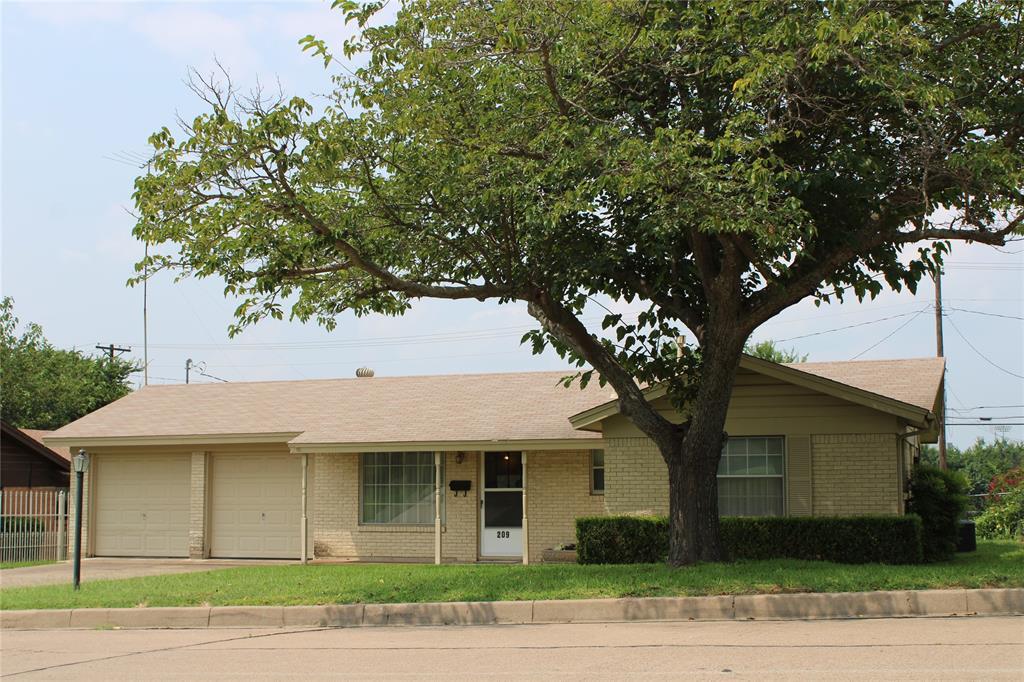 209 Rentz  Street, Weatherford, Texas 76086 - Acquisto Real Estate best frisco realtor Amy Gasperini 1031 exchange expert
