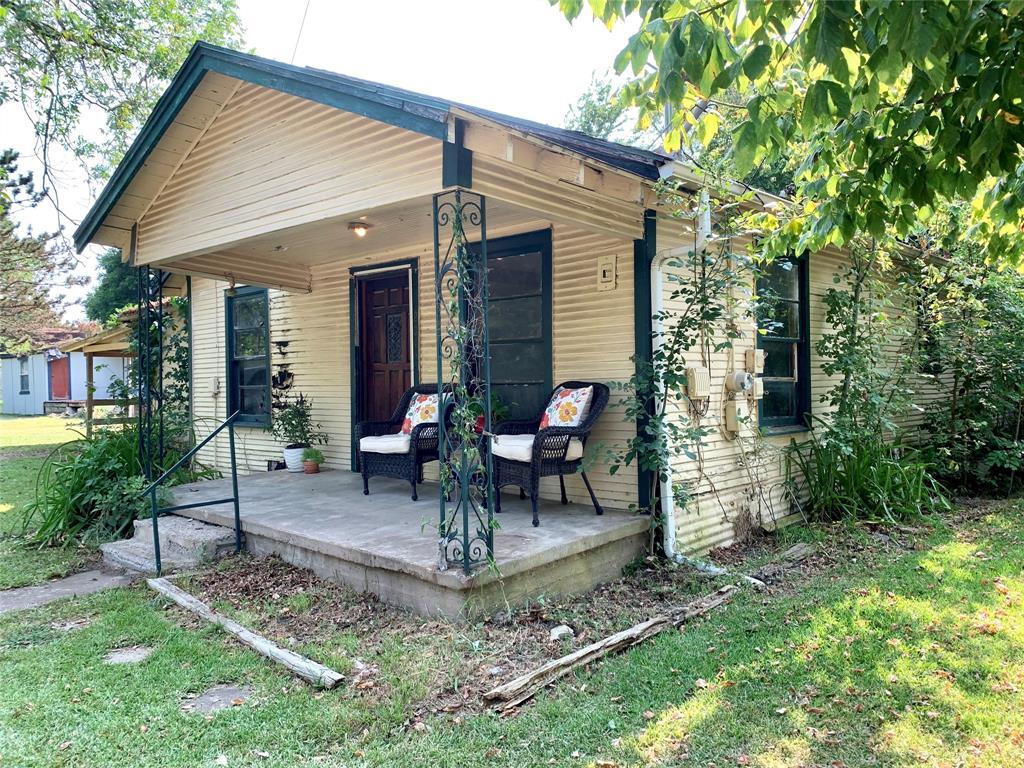 204 Jernigan  Street, Bells, Texas 75414 - Acquisto Real Estate best frisco realtor Amy Gasperini 1031 exchange expert